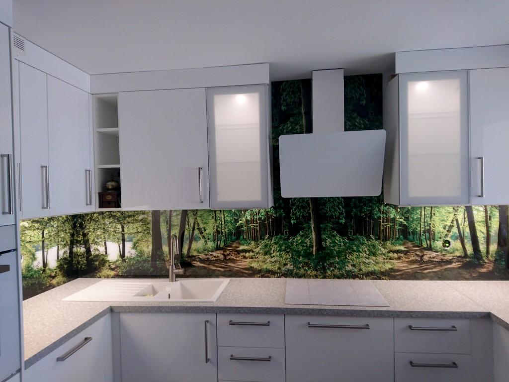 grafika las w kuchni